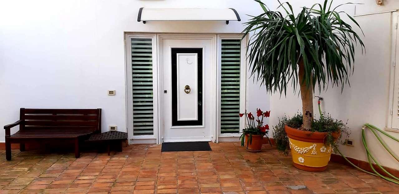 Villa, Viale Orfeo, Mondello, Palermo, foto 4
