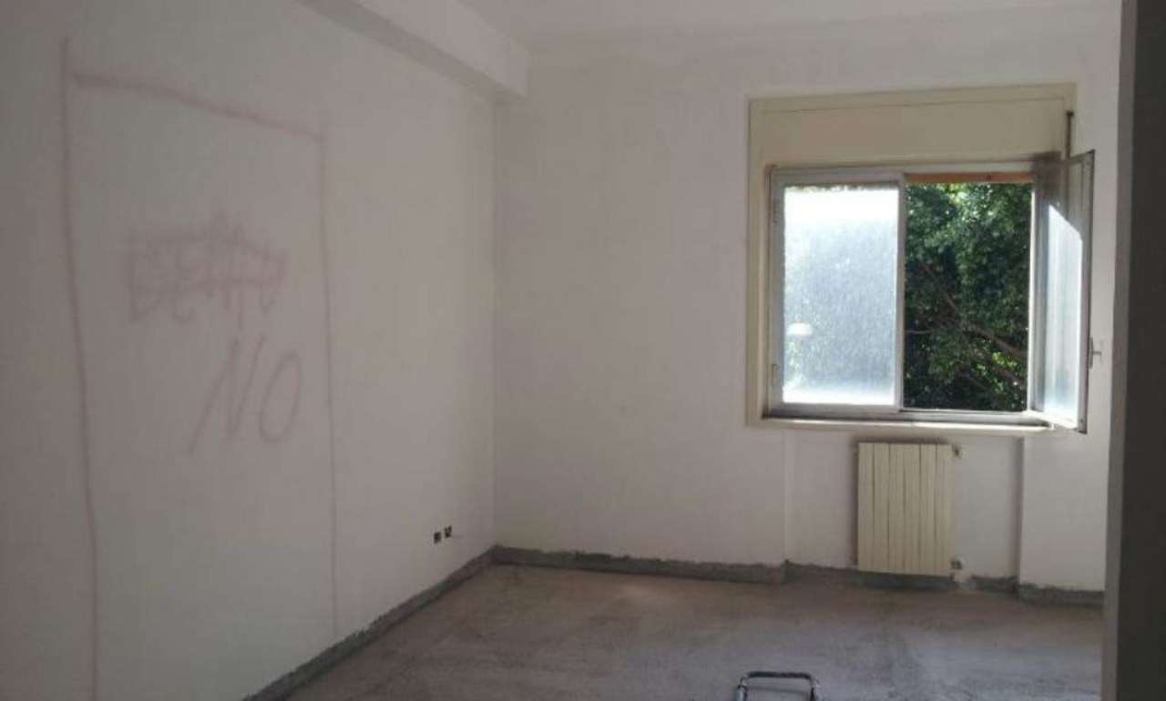 Arioso ed ampio appartamento con balcone, foto 5