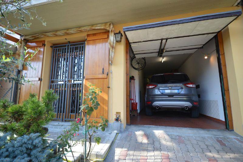 Villetta a schiera con giardino e doppio garage, foto 19