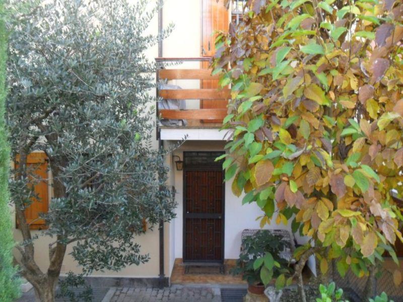 Villetta a schiera con giardino e doppio garage, foto 16