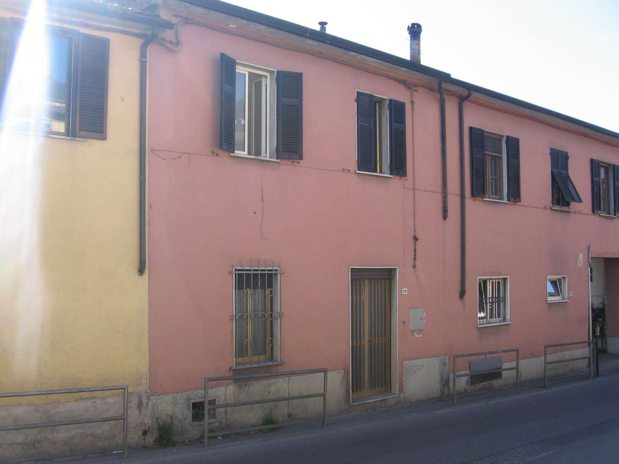 Porzione di casa in buone condizioni parzialmente arredato in vendita Rif. 5275883