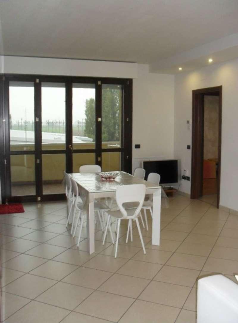 Appartamento in ottime condizioni in vendita Rif. 8913180