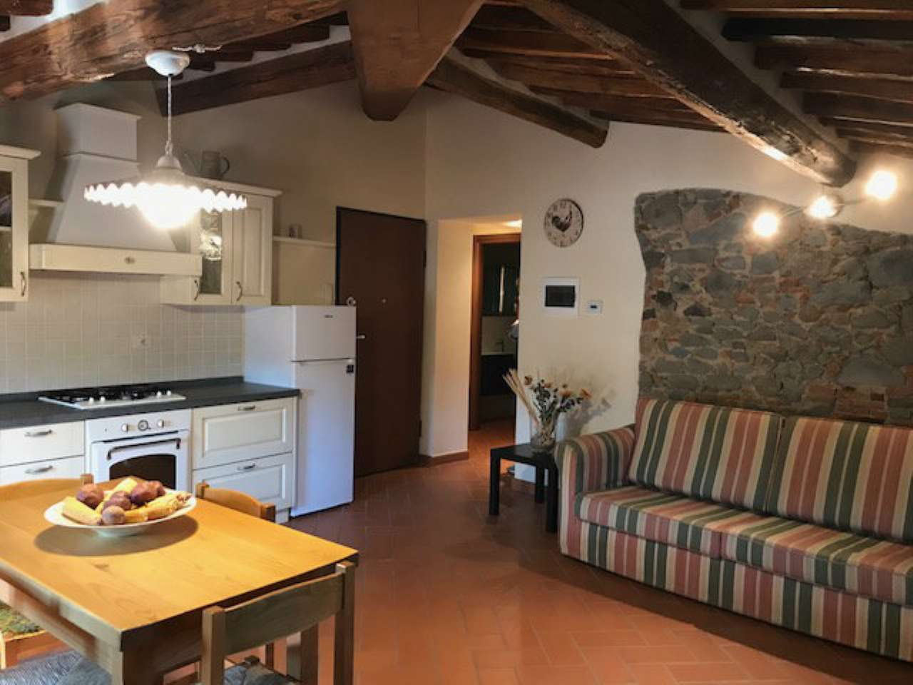 Appartamento ristrutturato arredato in vendita Rif. 5276294