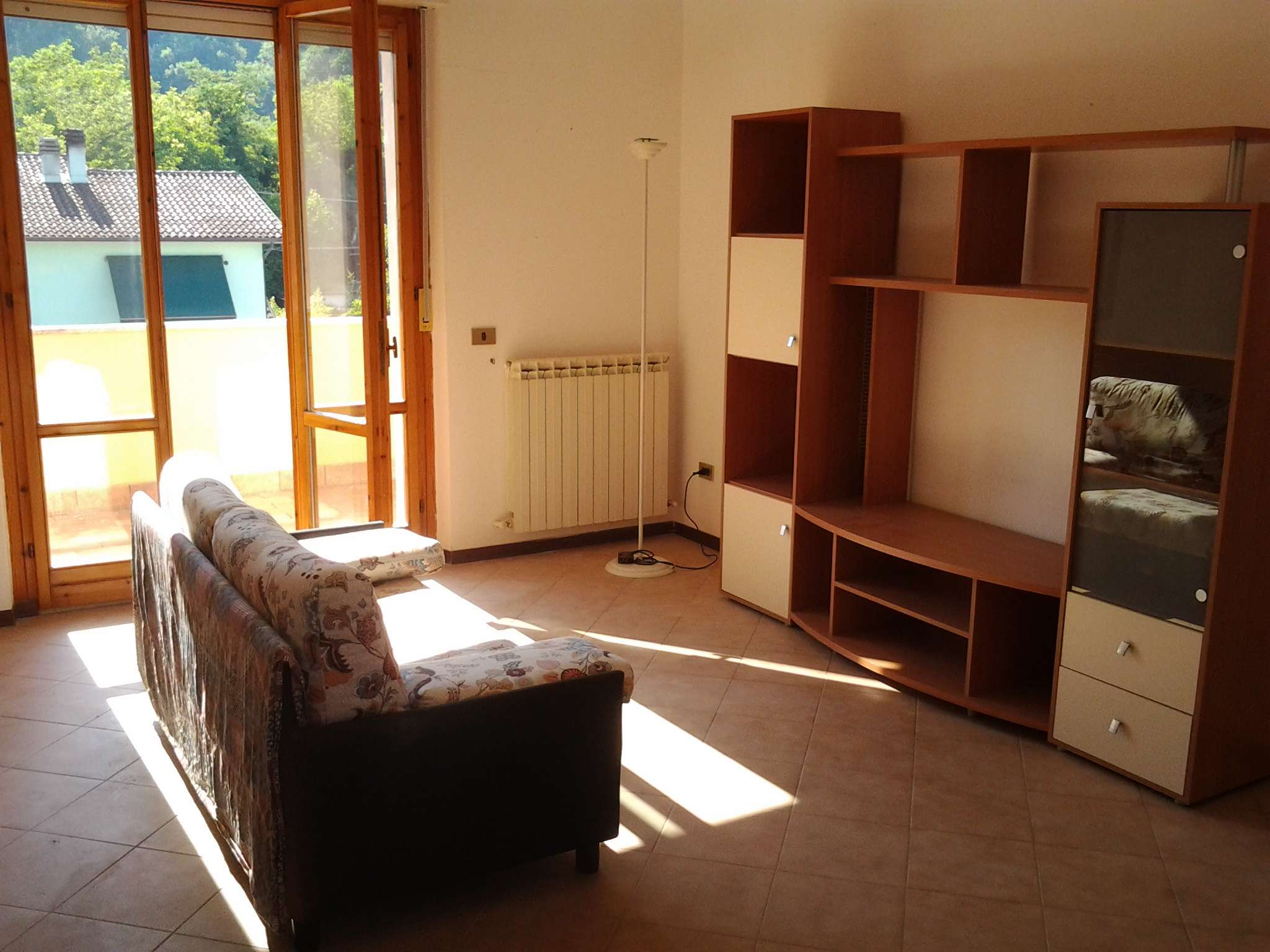 Appartamento in buone condizioni arredato in vendita Rif. 8359006