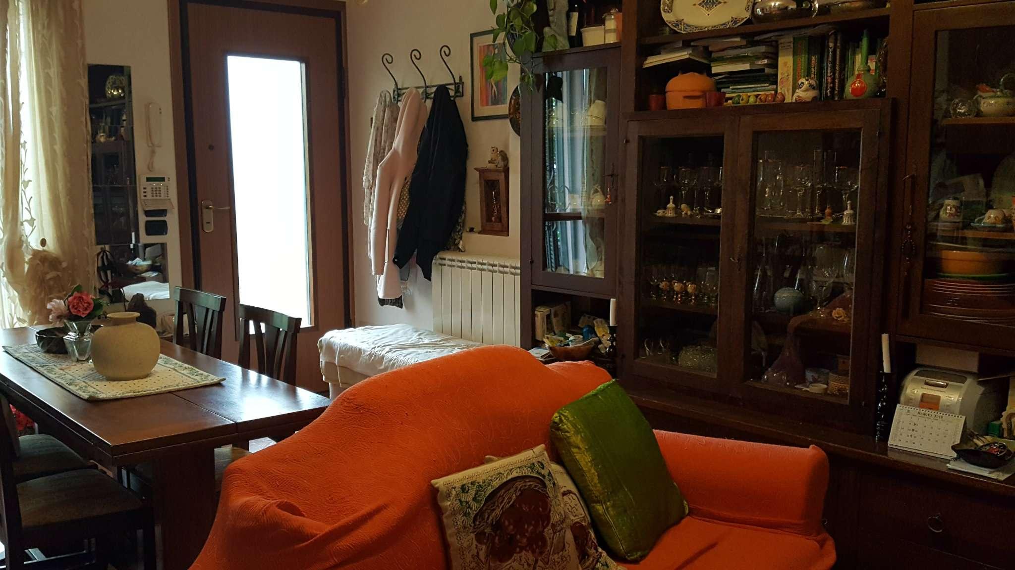 Appartamento in ottime condizioni in vendita Rif. 8161081