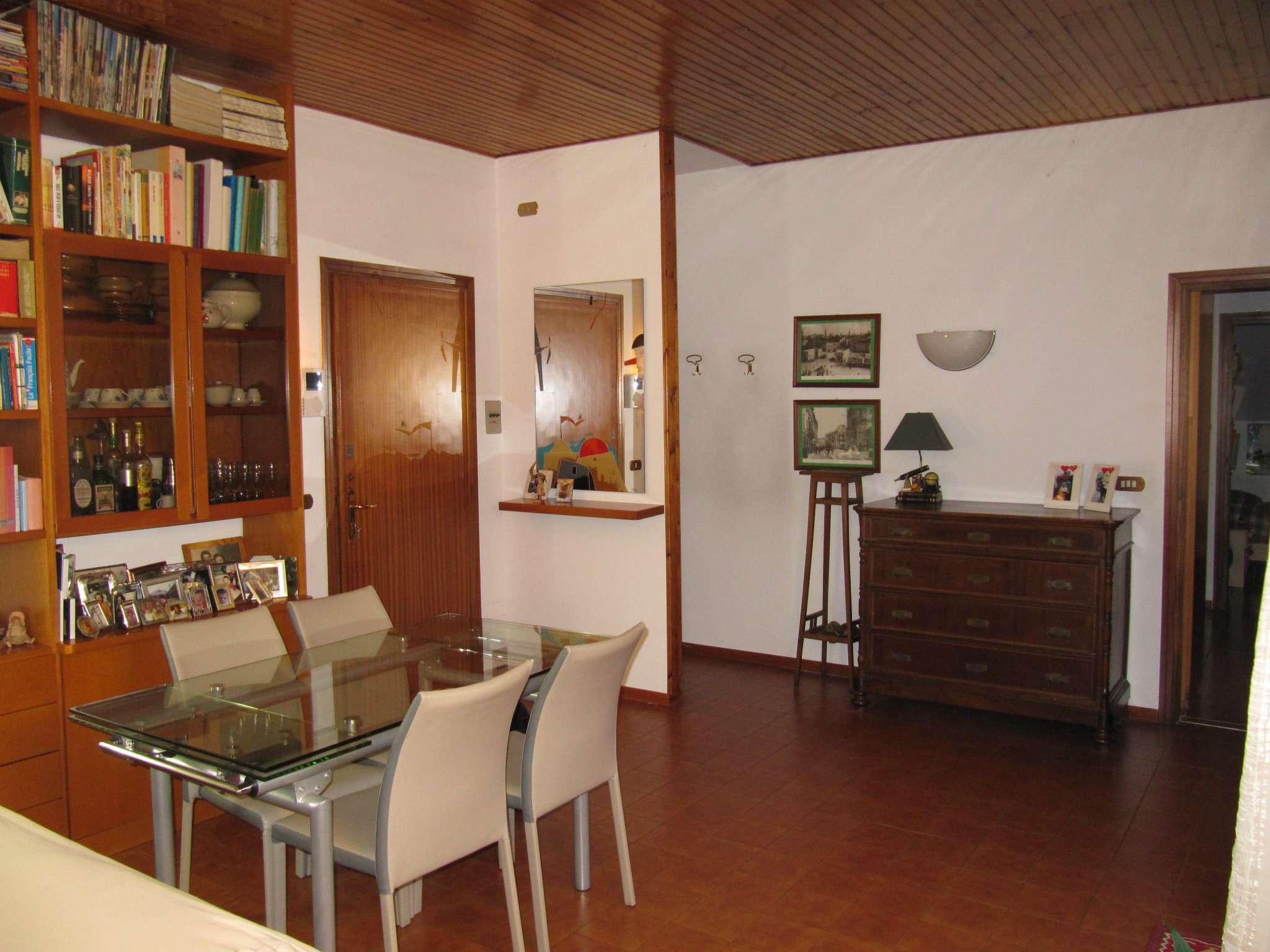 Appartamento in buone condizioni in vendita Rif. 7086545