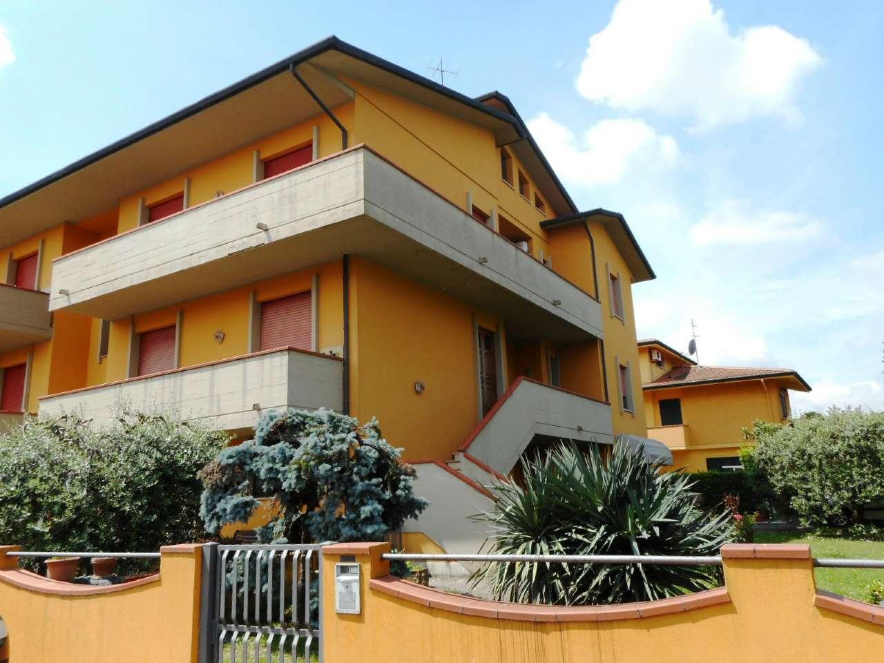 Ampio appartamento su due livelli con giardino, terrazzo e garage