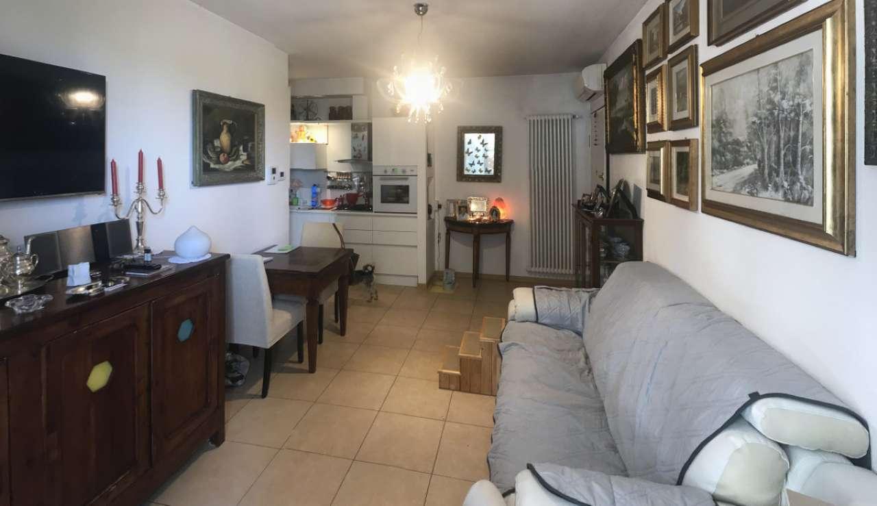 Appartamento in ottime condizioni in vendita Rif. 7256884