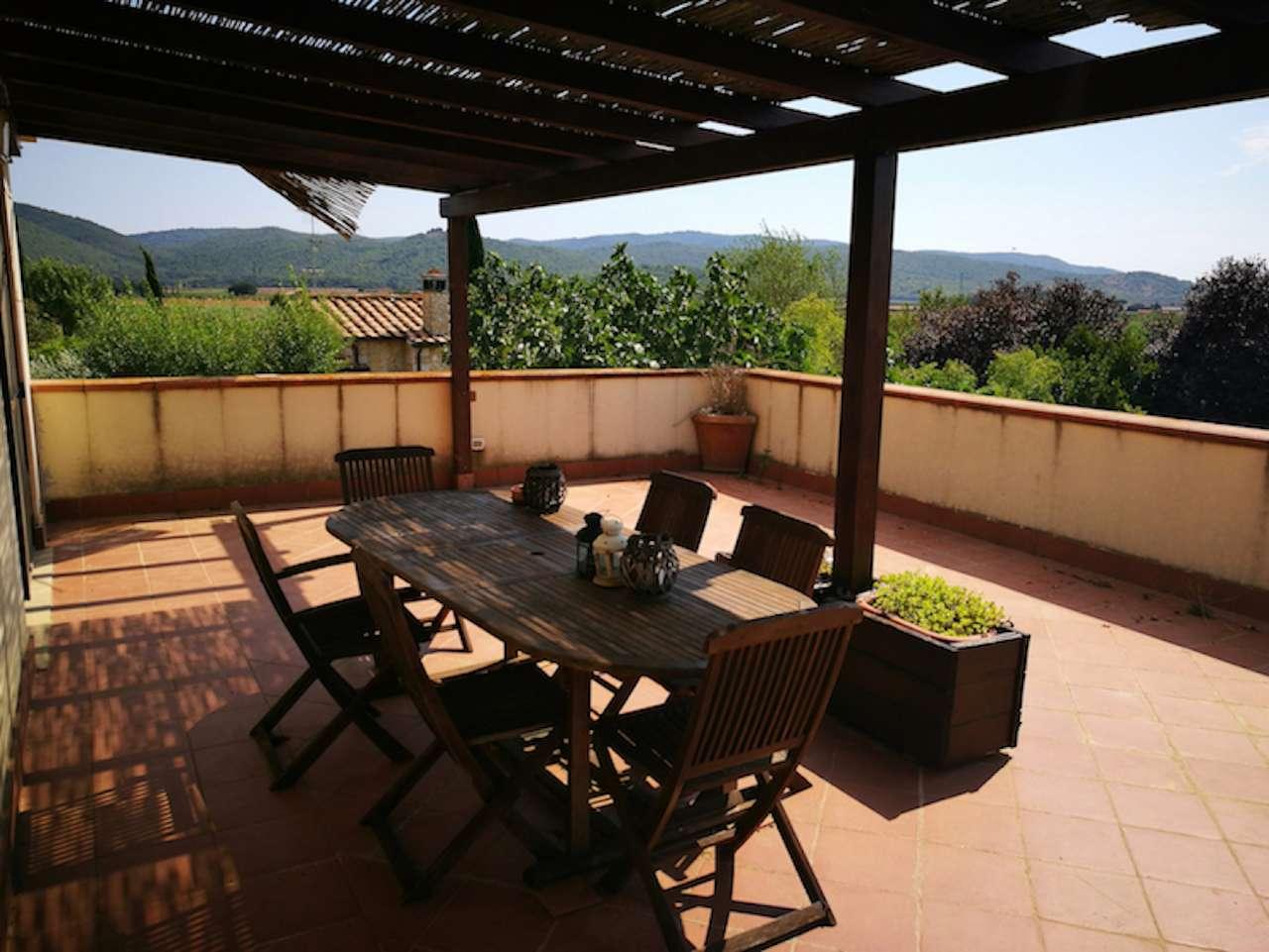Quadrilocale con ampio terrazzo panoramico e giardino esclusivo