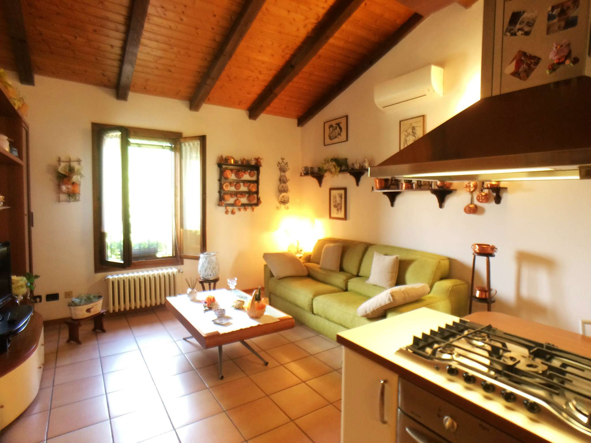 Appartamento in ottime condizioni parzialmente arredato in vendita Rif. 8022234