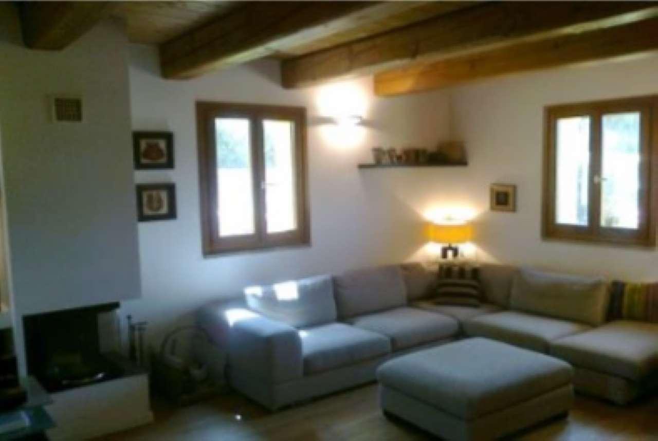 Porzione di casa in ottime condizioni in vendita Rif. 8246663