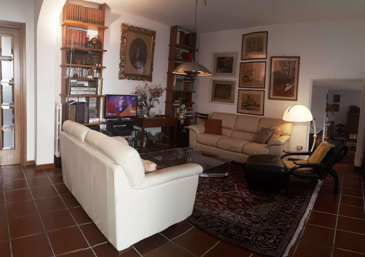 Ampio appartamento indipendente con giardino privato