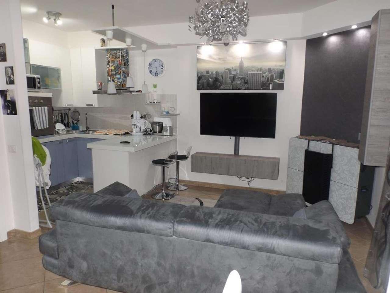 Appartamento in ottime condizioni in vendita Rif. 8736782