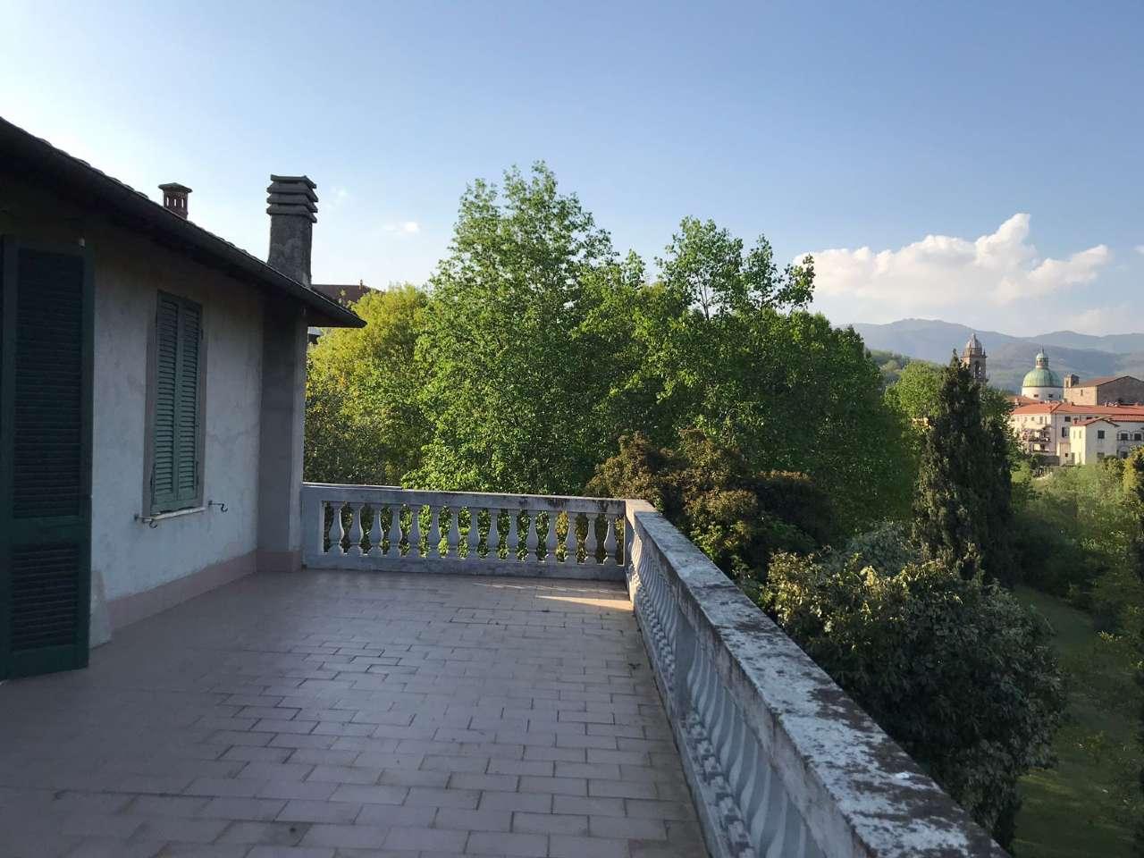 Villa in buone condizioni in vendita Rif. 8926401