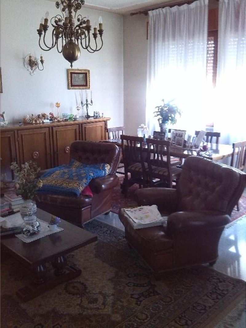 Appartamento in buone condizioni arredato in vendita Rif. 7497054