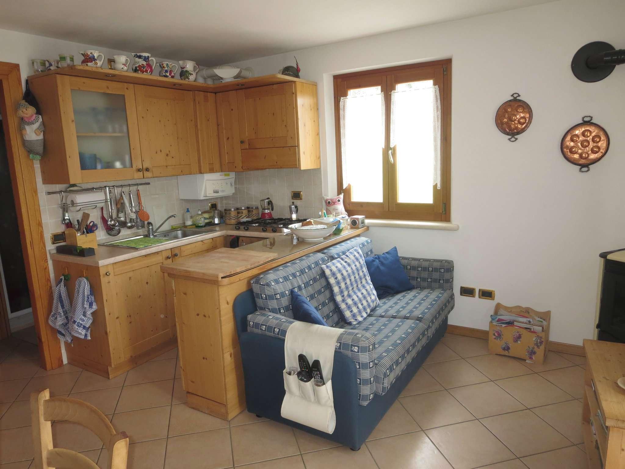 Appartamento in ottime condizioni arredato in vendita Rif. 5276656