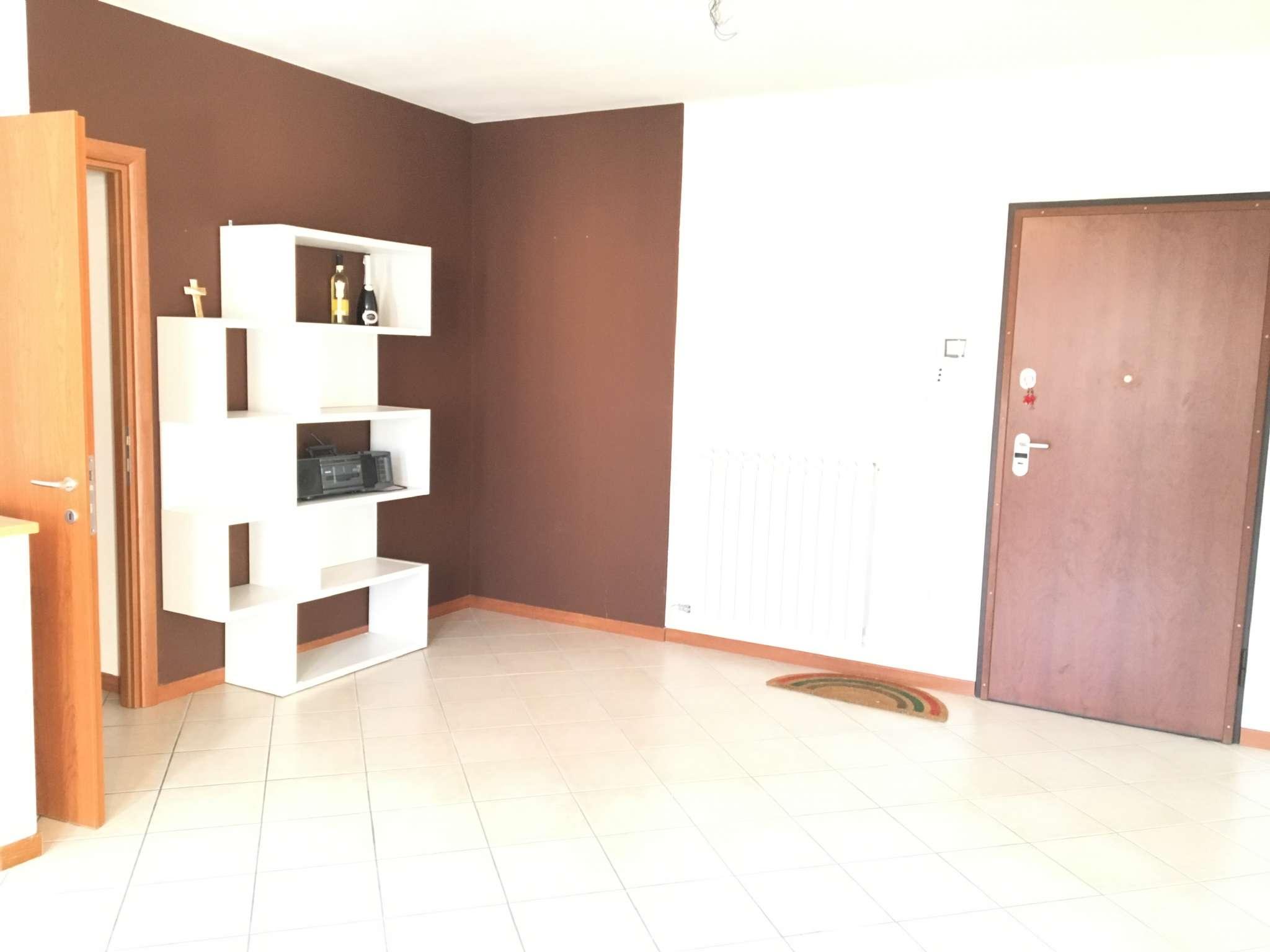 Appartamento in buone condizioni in vendita Rif. 5276854