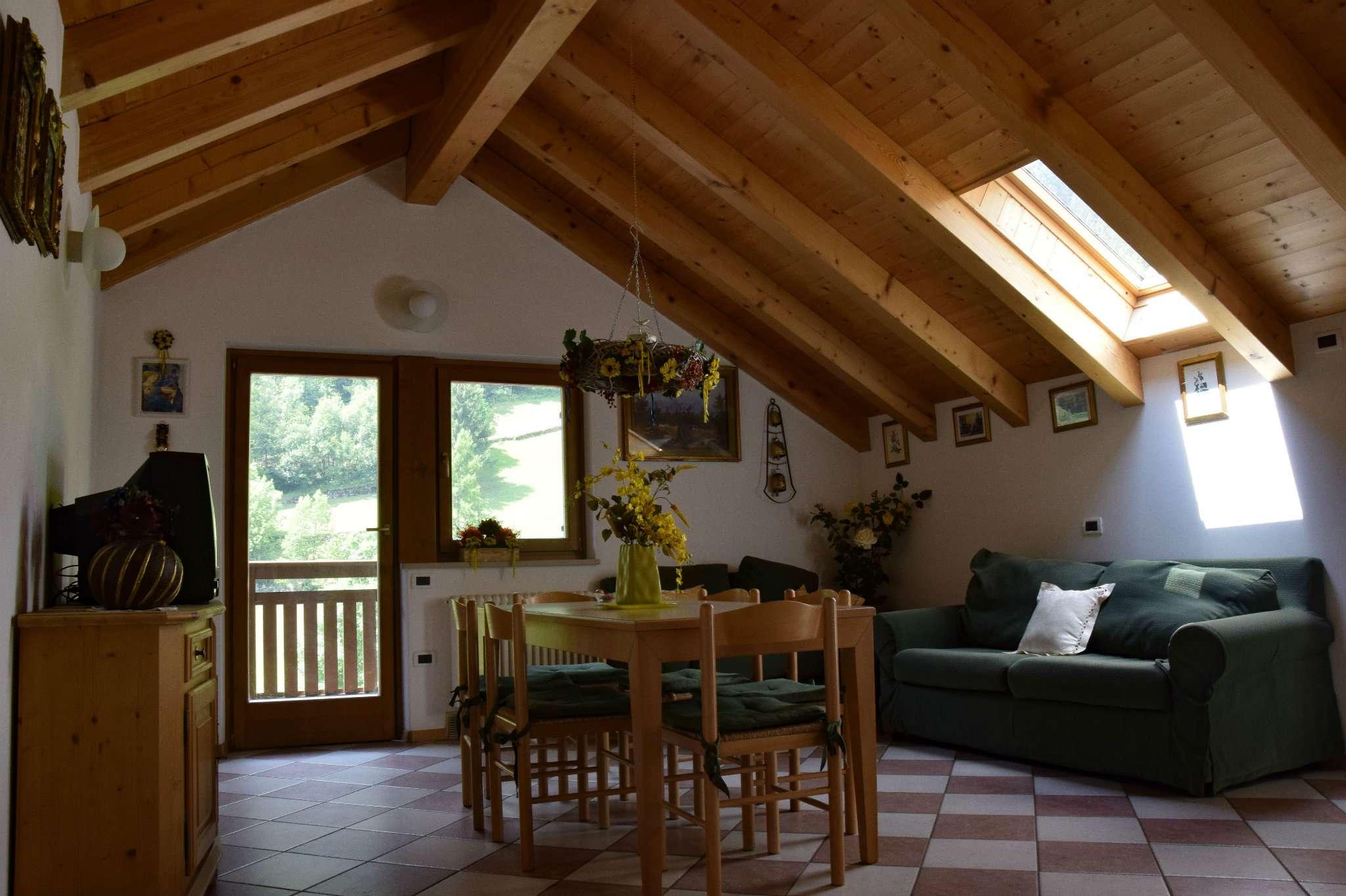 Appartamento in ottime condizioni arredato in vendita Rif. 5276866