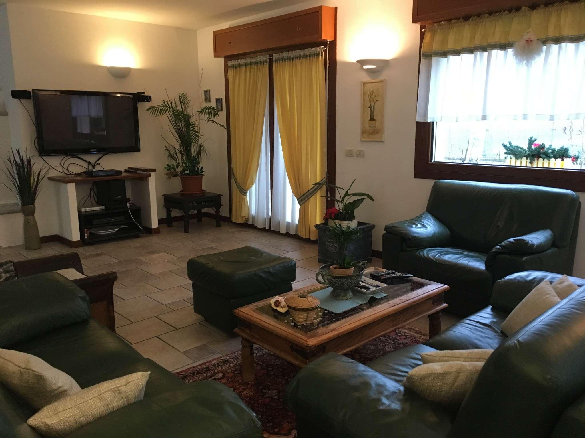 Casa giardino due stanze fossa in vendita waa2 for Casa di 900 metri quadrati in vendita