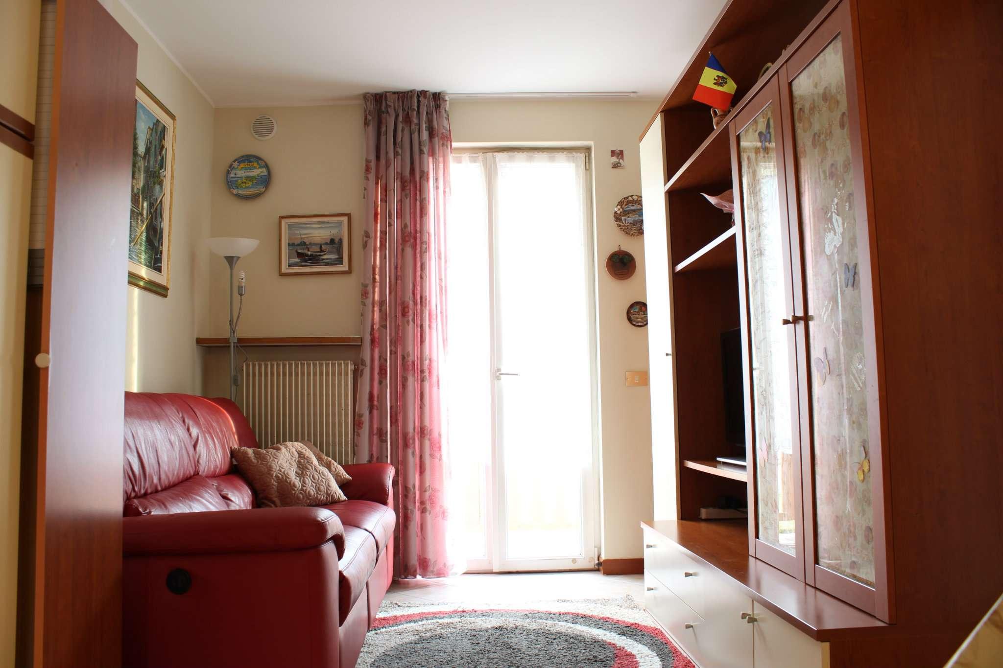 Appartamento in buone condizioni parzialmente arredato in vendita Rif. 6112791