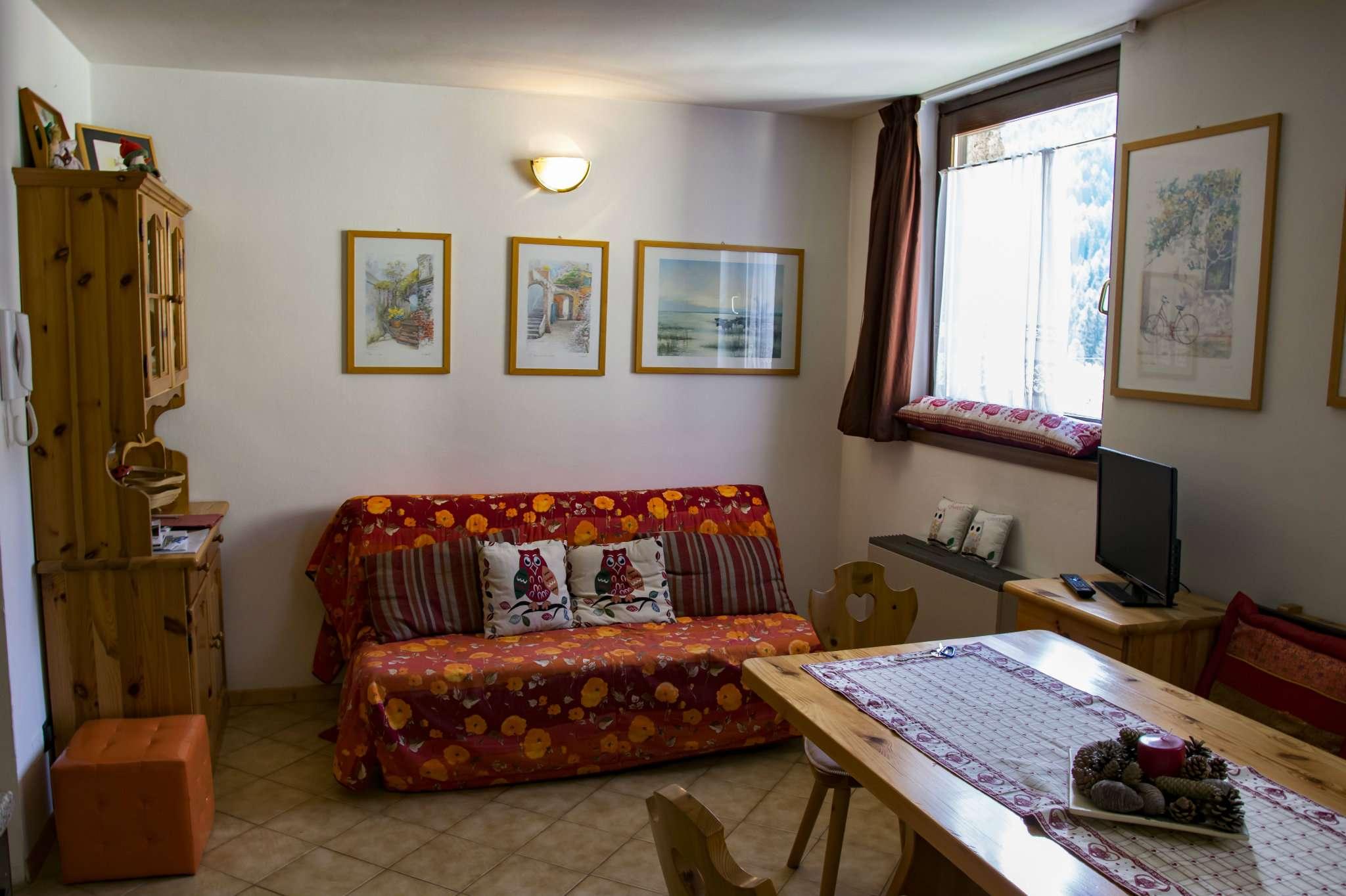 Appartamento in buone condizioni arredato in vendita Rif. 6729674