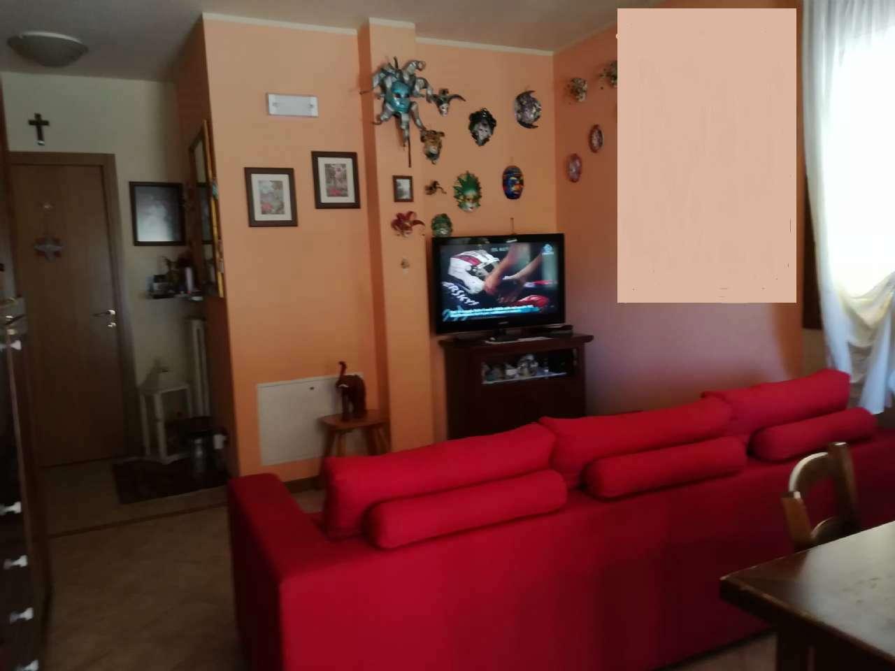 Appartamento in ottime condizioni in vendita Rif. 7005551