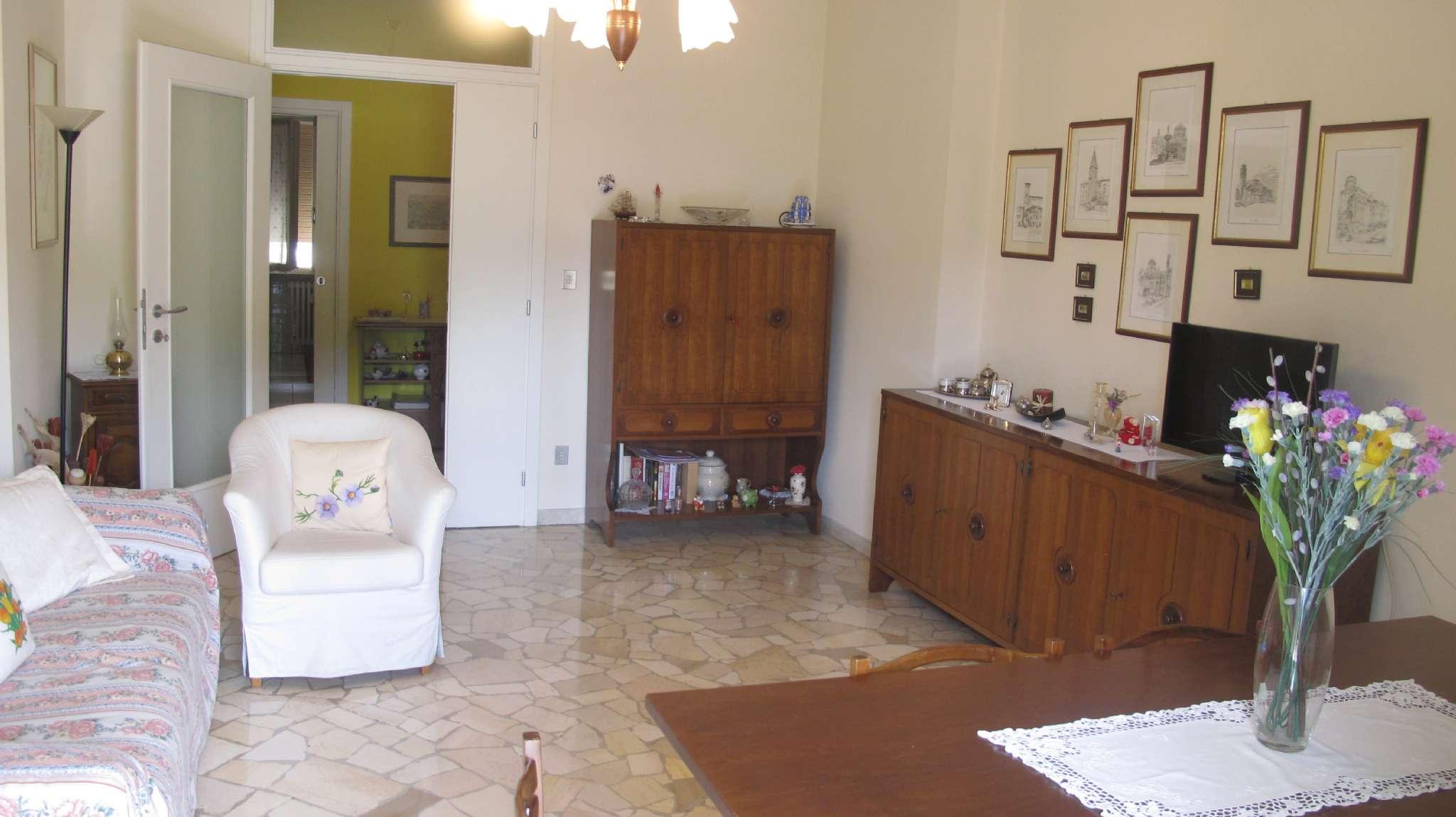 Ampio appartamento arredato con due terrazzi
