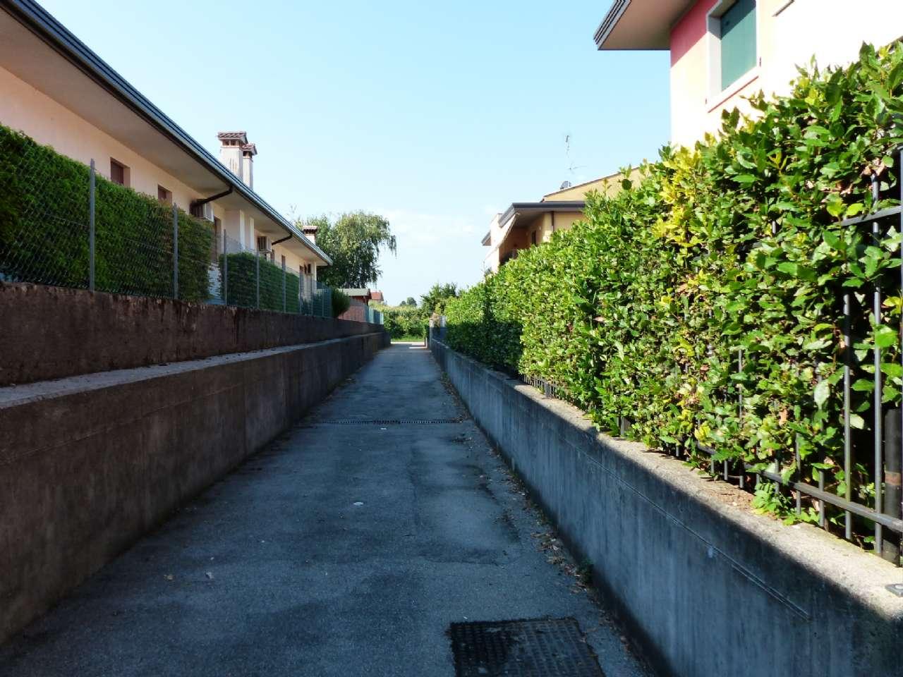 Luminoso trilocale con terrazzo, garage e cantina, foto 8