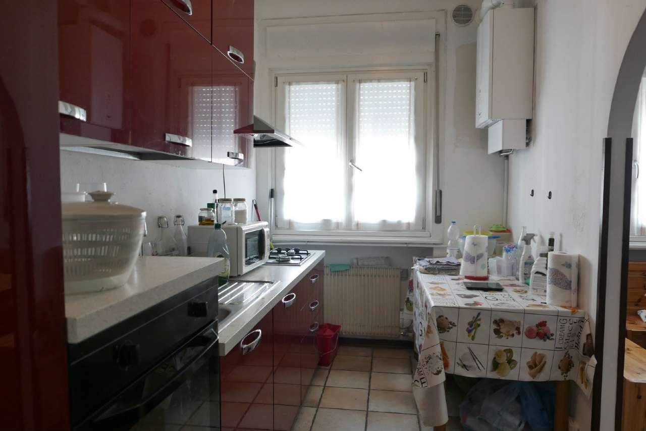 Appartamento in condizioni mediocri in vendita Rif. 7594320