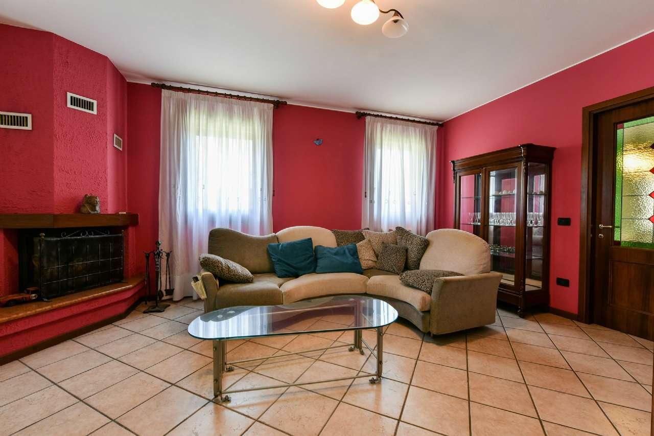 Villetta a schiera in ottime condizioni in vendita Rif. 8161092