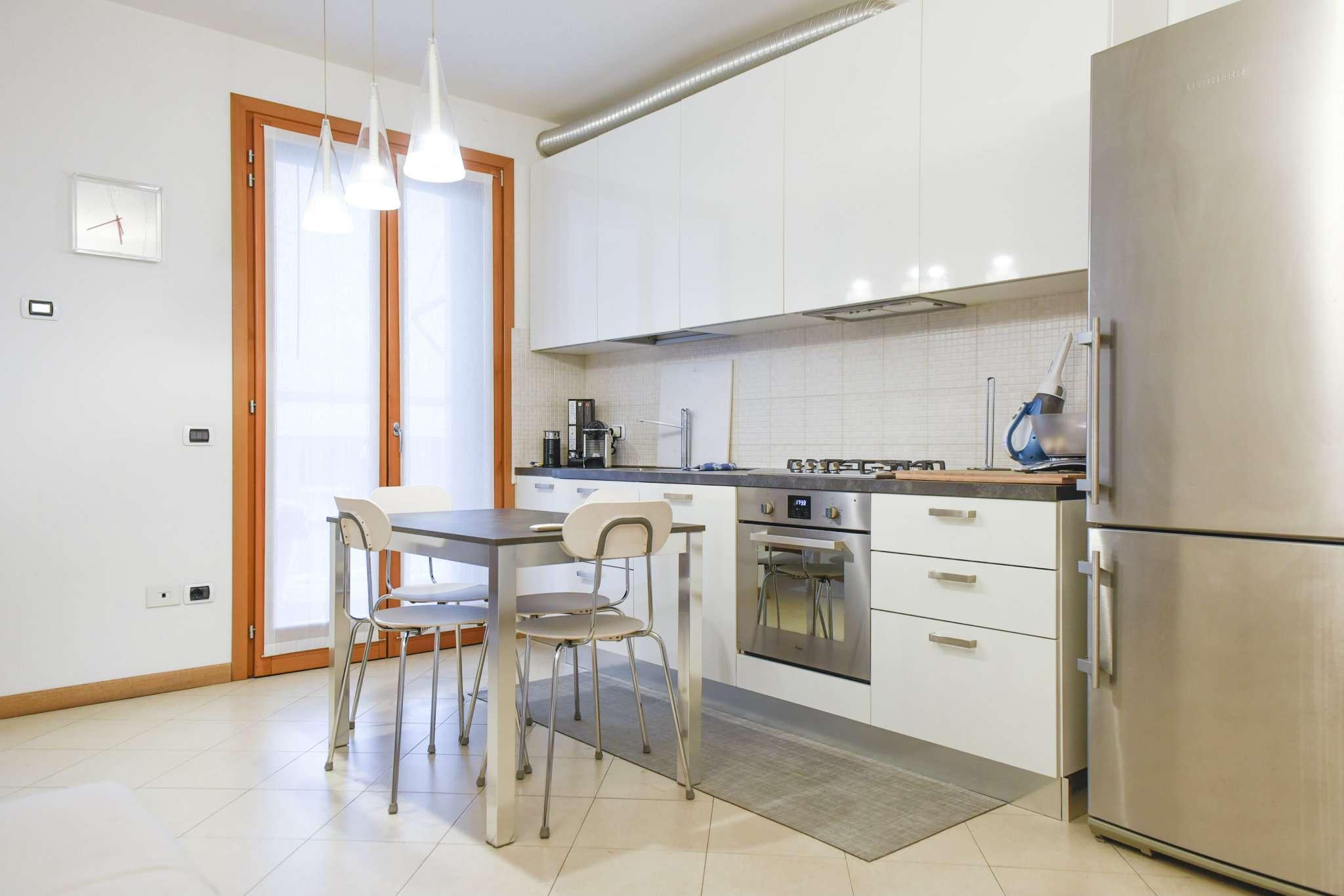 Appartamento in ottime condizioni in vendita Rif. 8089197