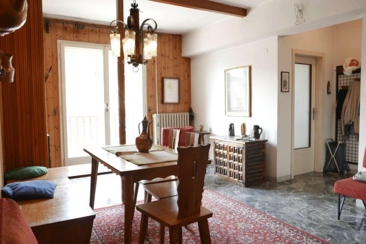 Appartamento in condizioni mediocri in vendita Rif. 8161089