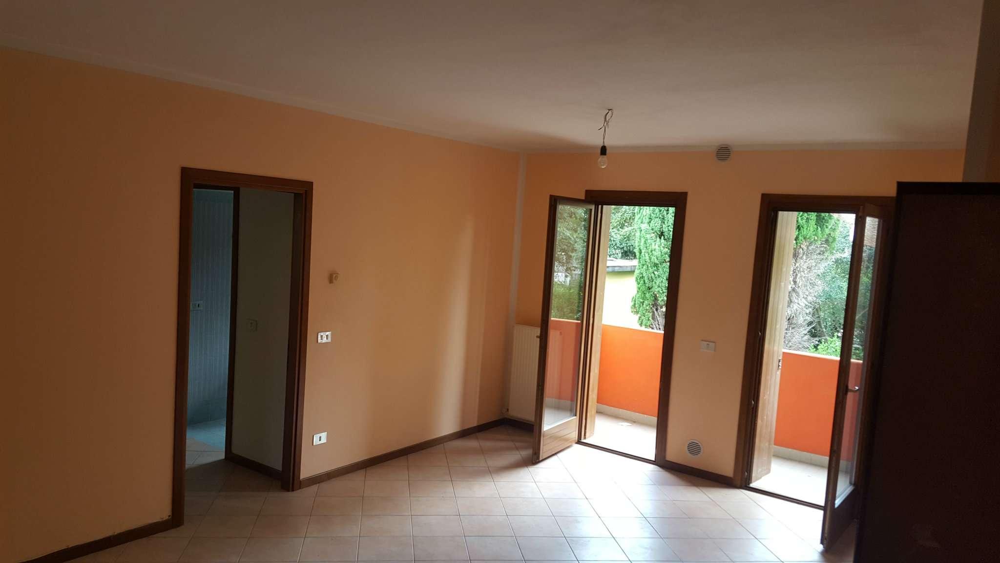 Appartamento in buone condizioni in vendita Rif. 8509277