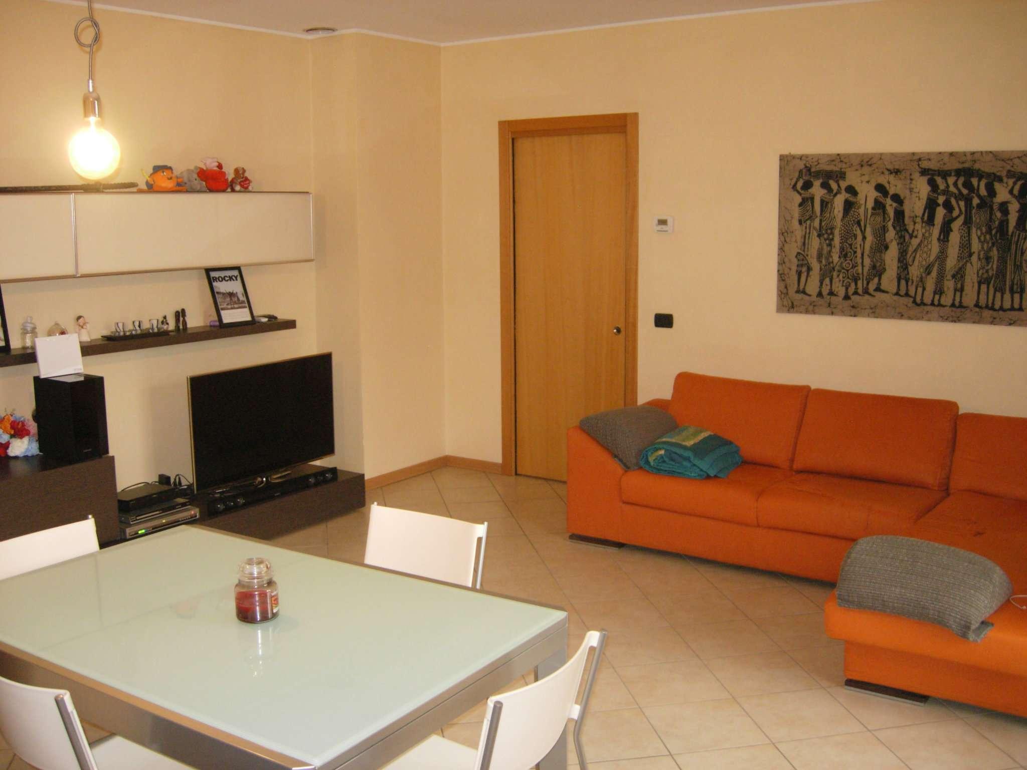 Appartamento in ottime condizioni parzialmente arredato in vendita Rif. 8161088