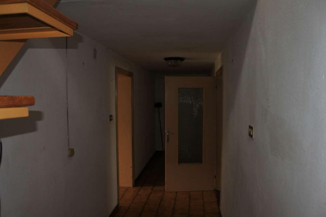Casa singola su due piani fuori terra con terreno esclusivo, foto 6
