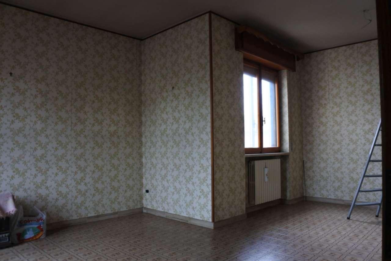 Casa singola su due piani fuori terra con terreno esclusivo, foto 2