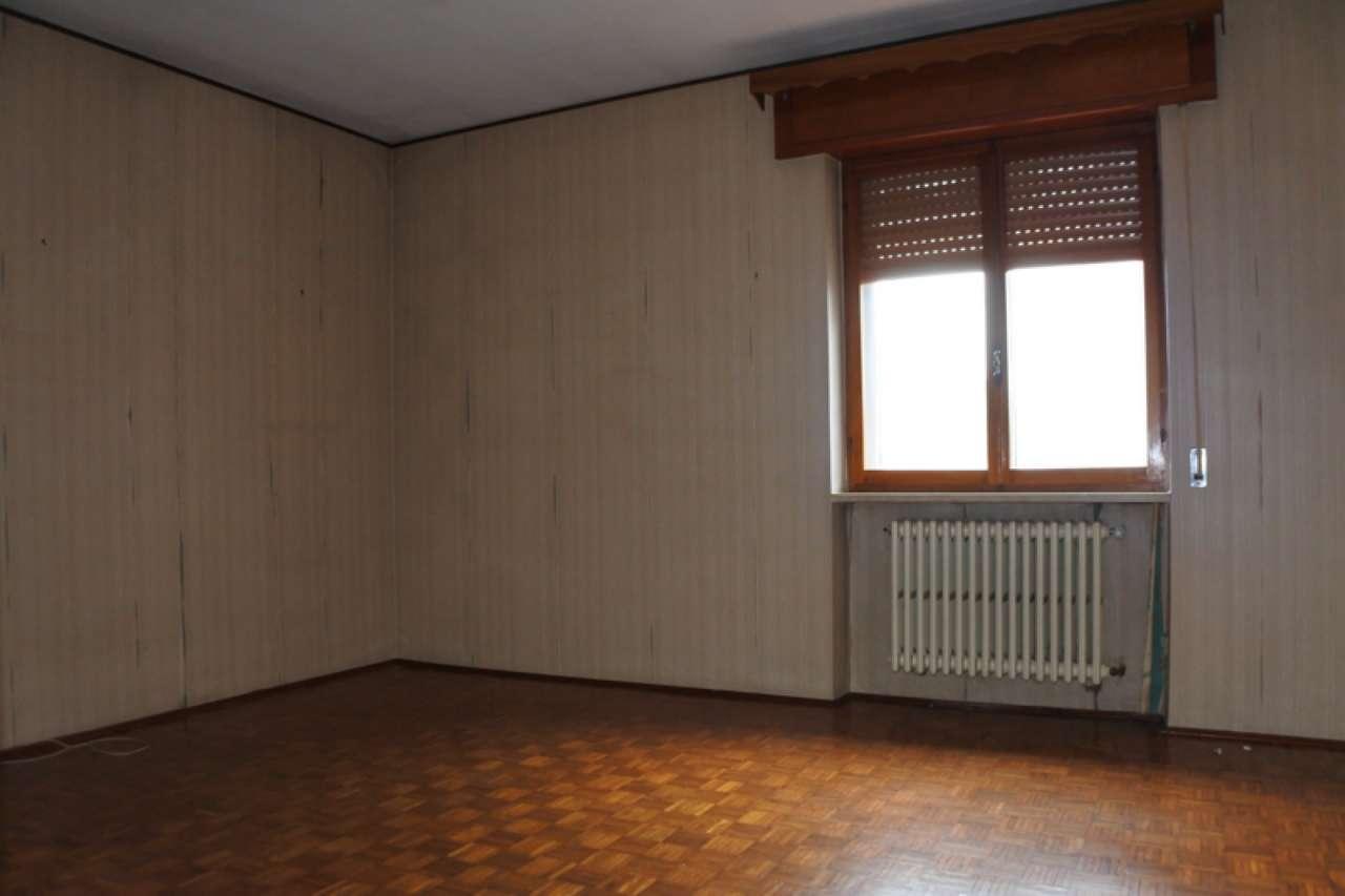 Casa singola su due piani fuori terra con terreno esclusivo, foto 1