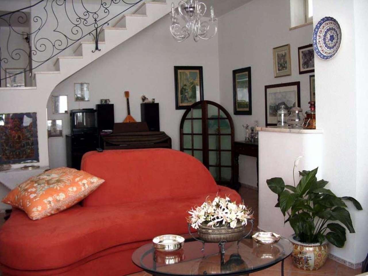 Stabile / Palazzo ristrutturato parzialmente arredato in vendita Rif. 8926402