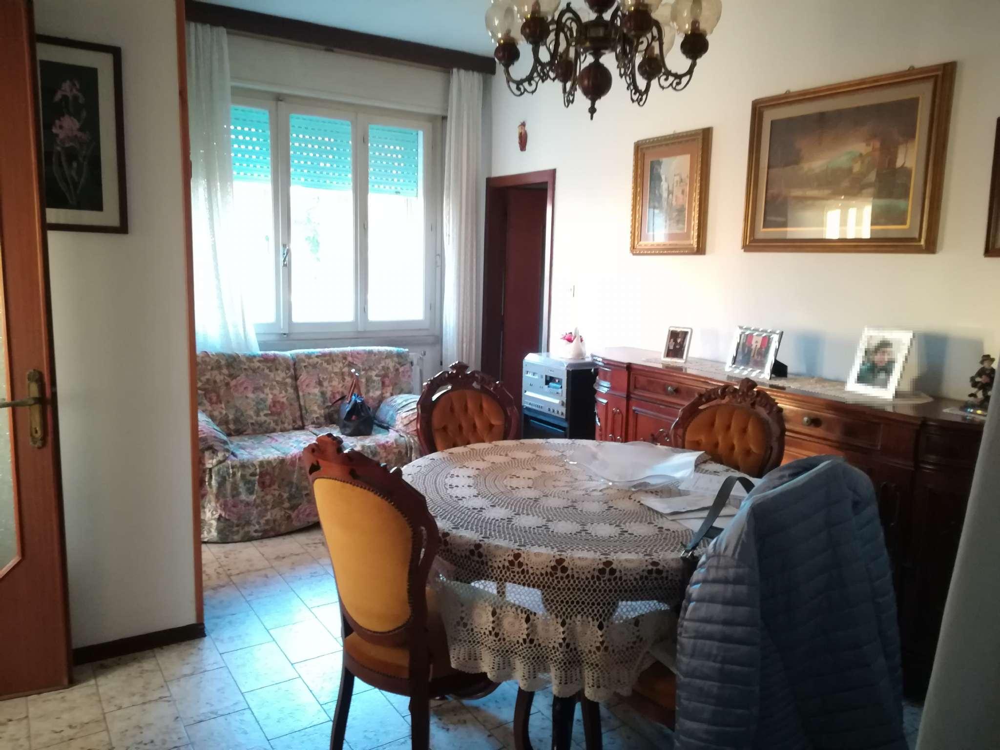 Casa Indipendente in condizioni mediocri parzialmente arredato in vendita Rif. 9292091