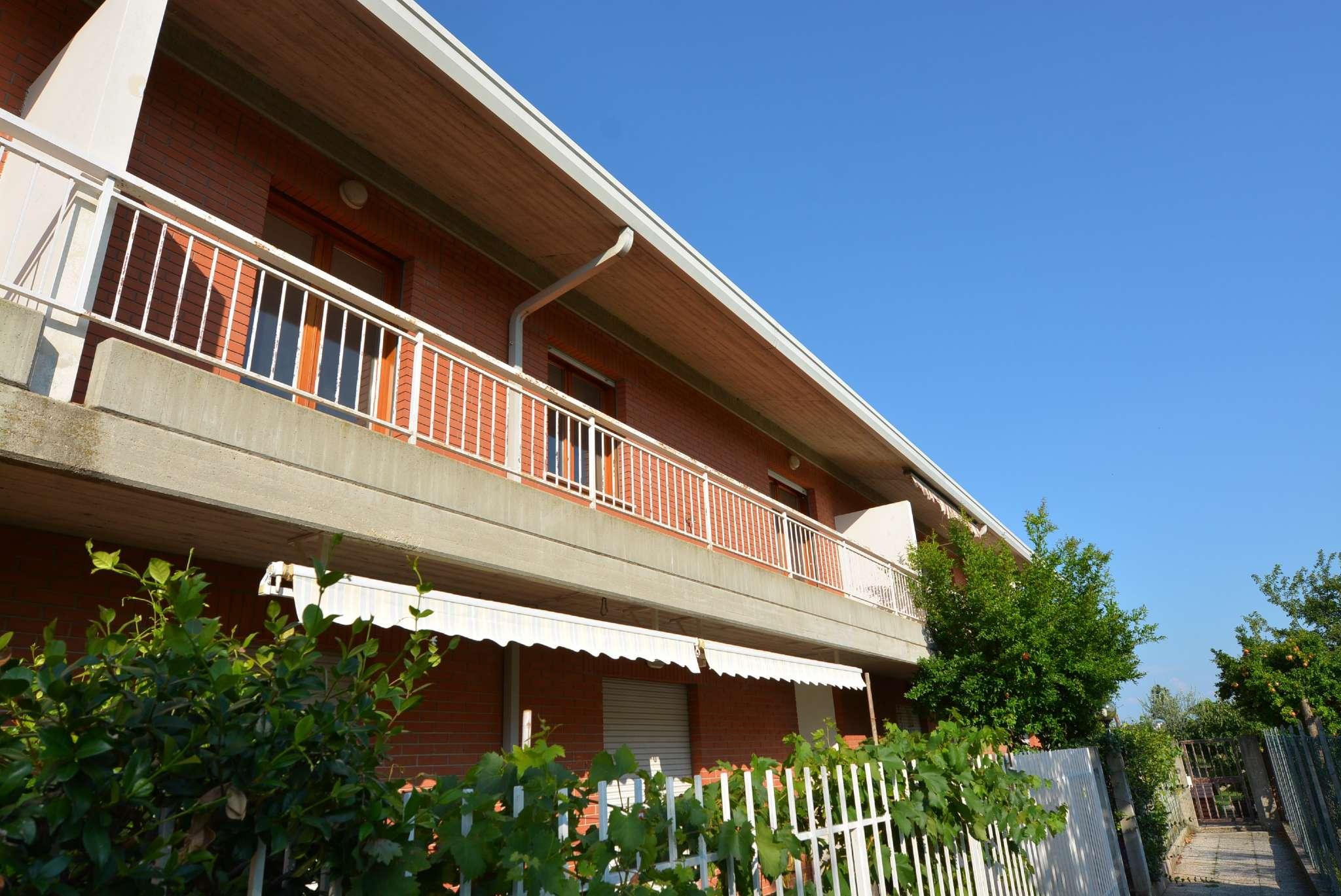 Appartamento in buone condizioni in vendita Rif. 7707223