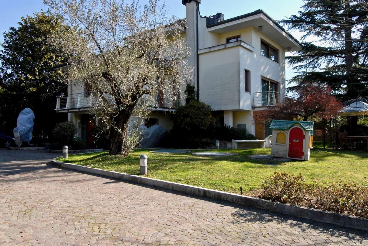 Villa esclusiva immersa nel verde con vista panoramica e parco, foto 14