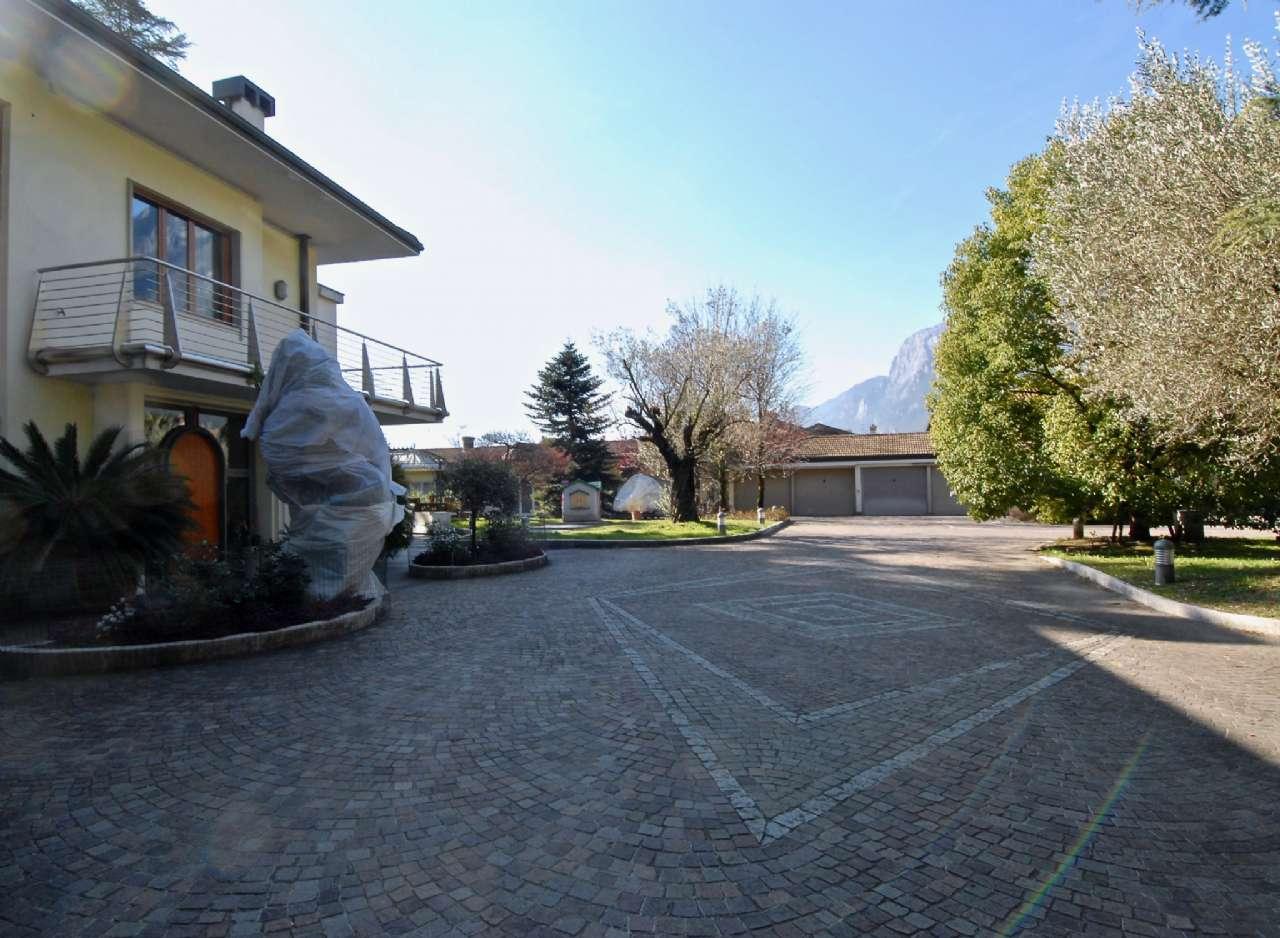 Villa esclusiva immersa nel verde con vista panoramica e parco, foto 13