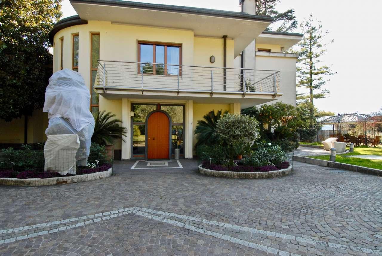 Villa esclusiva immersa nel verde con vista panoramica e parco, foto 11