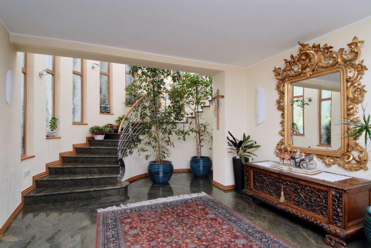 Villa esclusiva immersa nel verde con vista panoramica e parco, foto 3