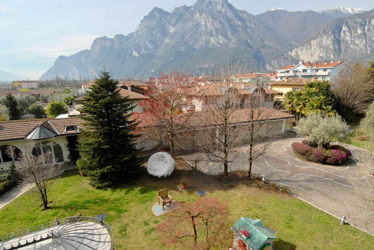Villa esclusiva immersa nel verde con vista panoramica e parco, foto 9