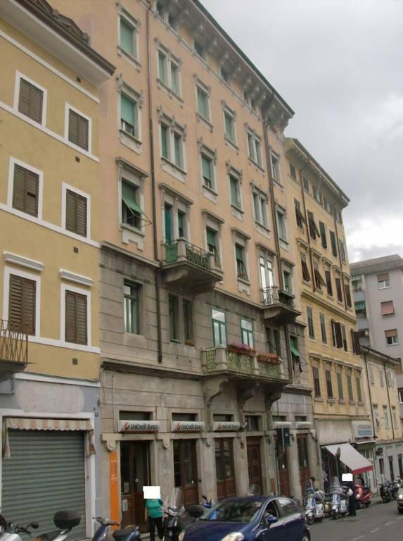 Locale commerciale al piano terra di un palazzo d'epoca, foto 10