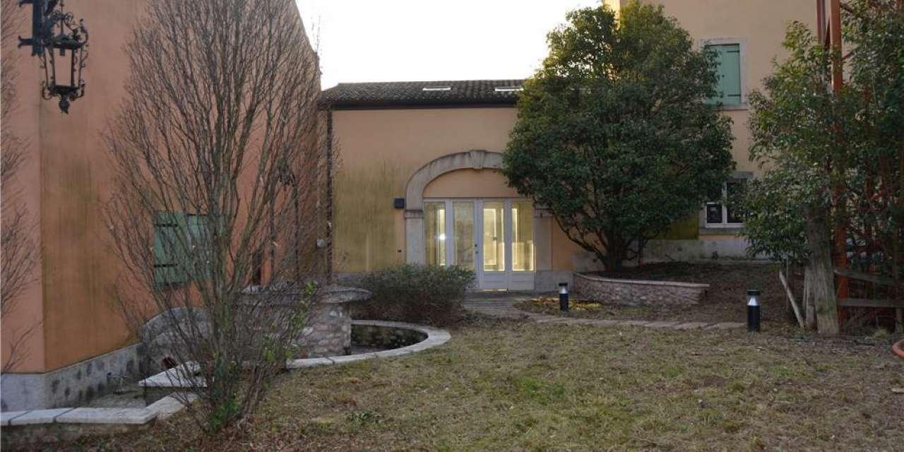 Villa in corte, Via Montresora, Sona, foto 11