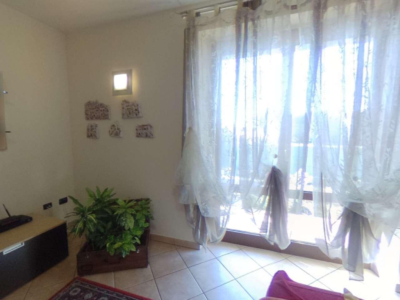 Porzione di casa indipendente, Via Conte Milone, Ronco all'Adige, foto 0