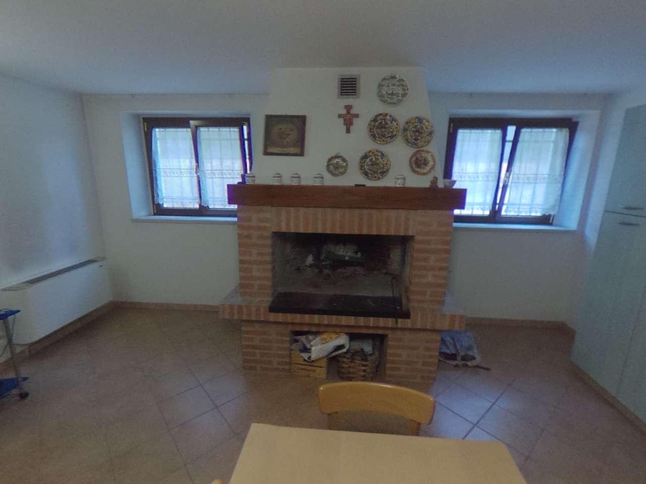 Porzione di casa indipendente, Via Conte Milone, Ronco all'Adige, foto 1
